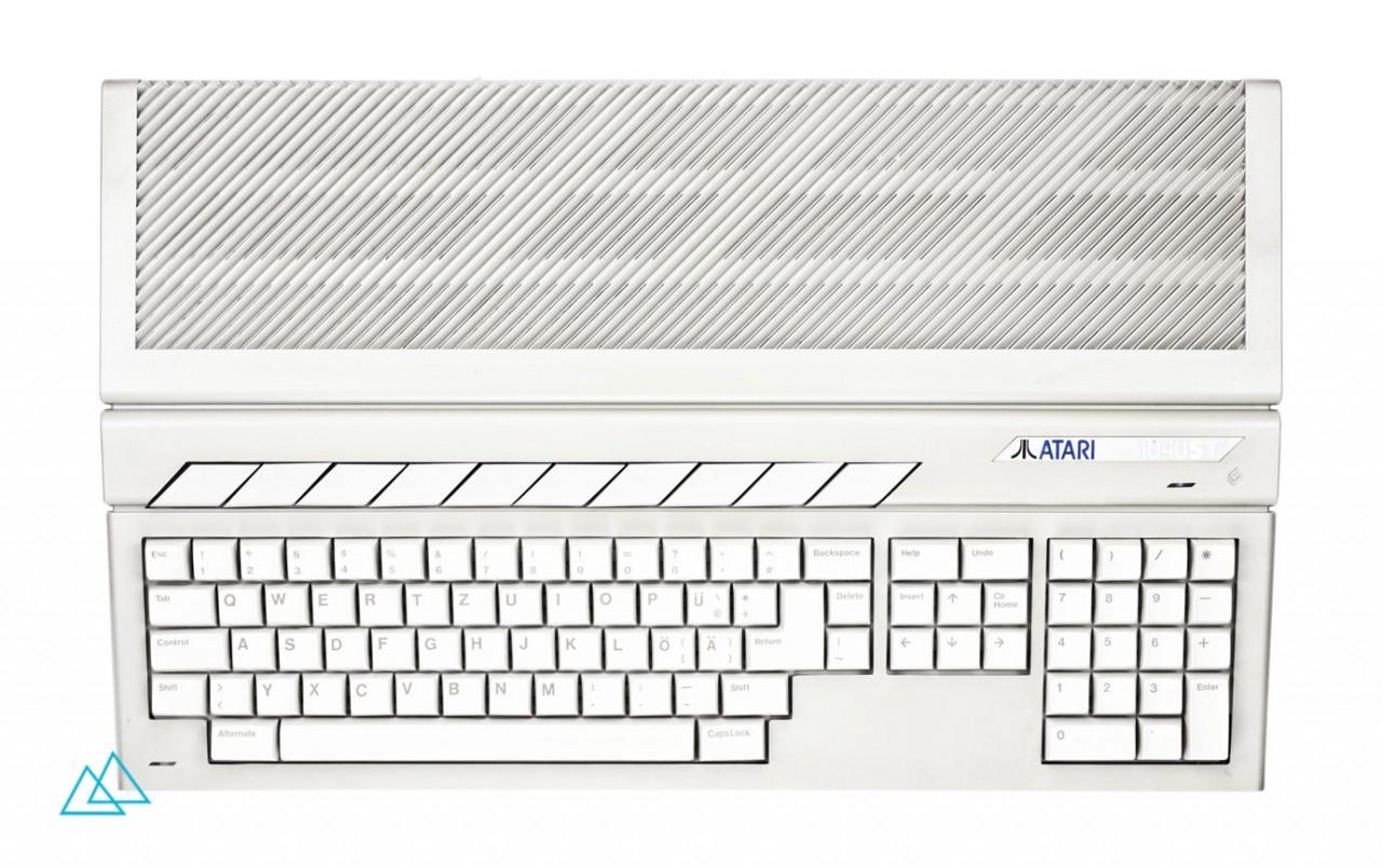 # 009 Atari 1040 STF